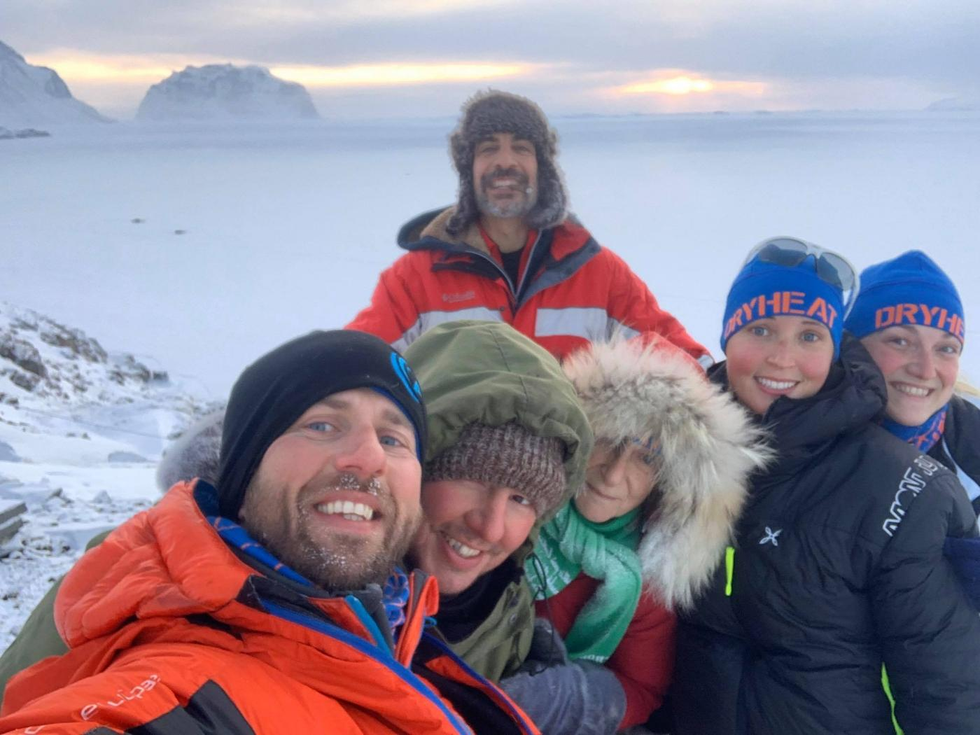 Tour group taking a selfie together. Photo by Greenland Fiord Tours