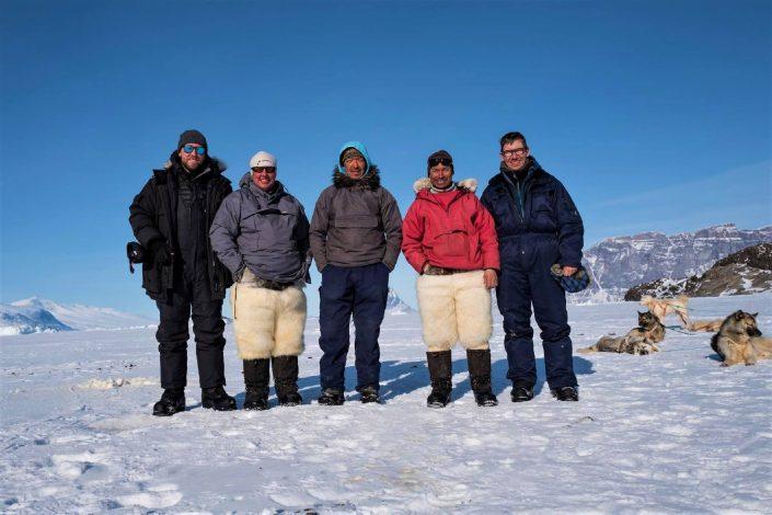 Fællesskab på slædetur Uummannaq Fjord Tours