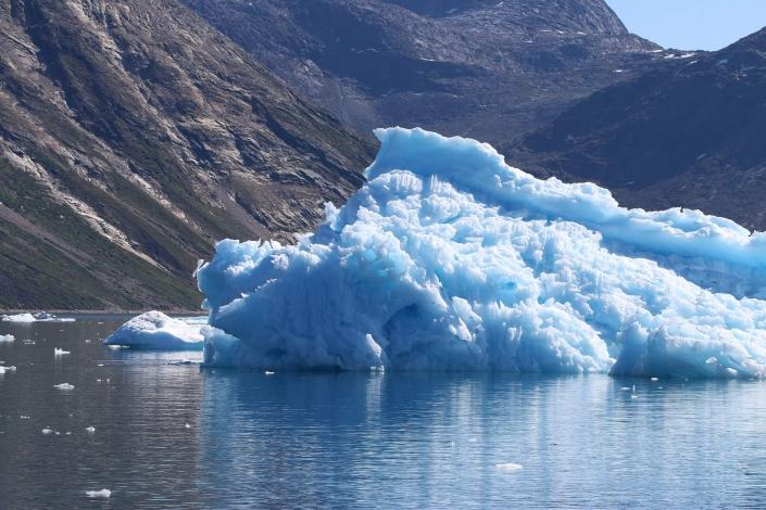 Icebergs in Nuup Kangerlua in summer. Photo by Nuuk Bay Adventures