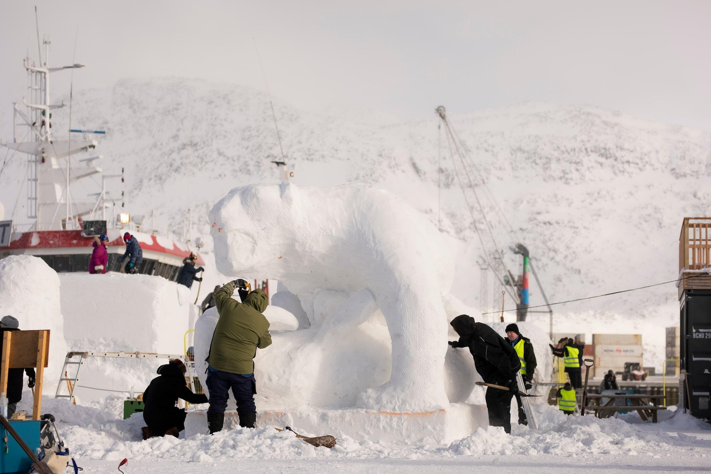 polar bear snow sculpture. Photo - Aningaaq R. Carlsen, Visit Greenland