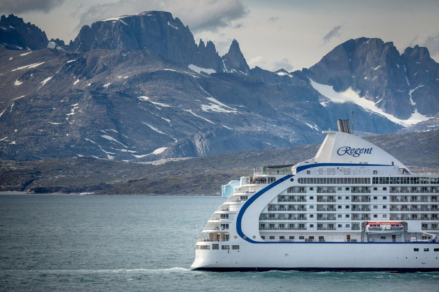 Regent Cruises near Aappilattoq in South Greenland. Photo by Mads Pihl - Visit Greenland