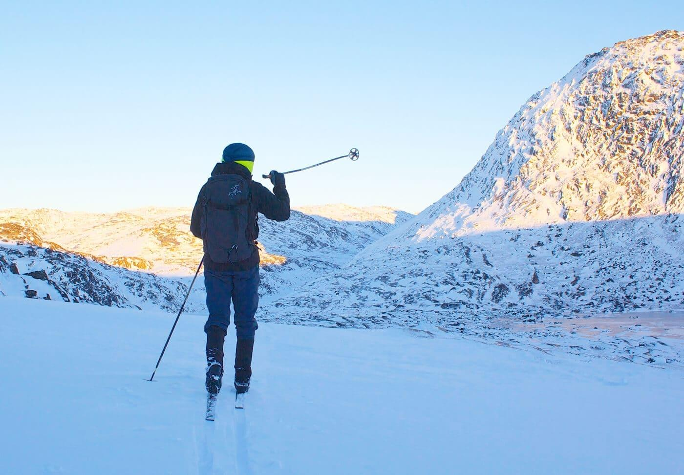 Fjeldski, nordlys og Iglo Lodge i Diskobugten. Greenland by Topas