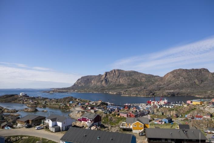 360 view in the middle of the city 1 in Sisimiut. Photo by Aningaaq R Carlsen – Visit Greenland