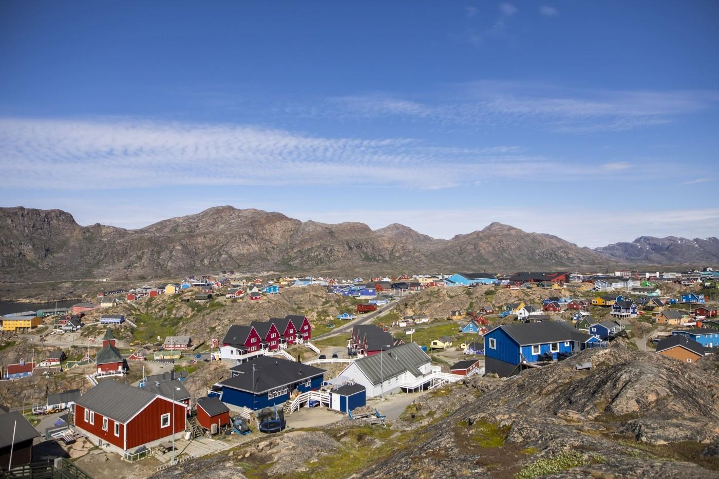 360 view in the middle of the city 2 in Sisimiut. Photo by Aningaaq R Carlsen – Visit Greenland