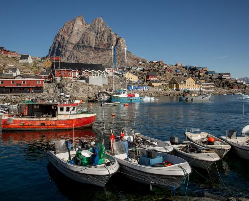 Cafémma - The harbour in Uummannaq in Greenland