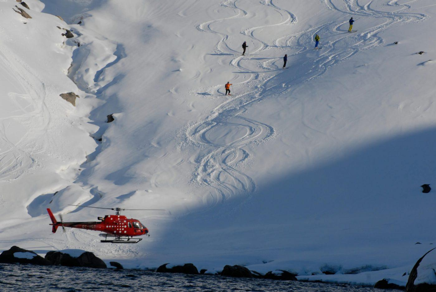 Heliskiing on Hamborgerland near Maniitsoq in Greenland. Photo by Jörg Ehrligh