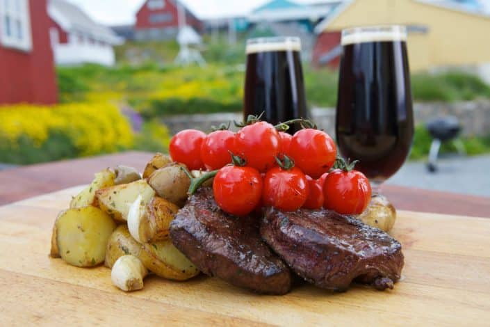 Grilled reindeer meat with greenlandic beer, by ace and ace