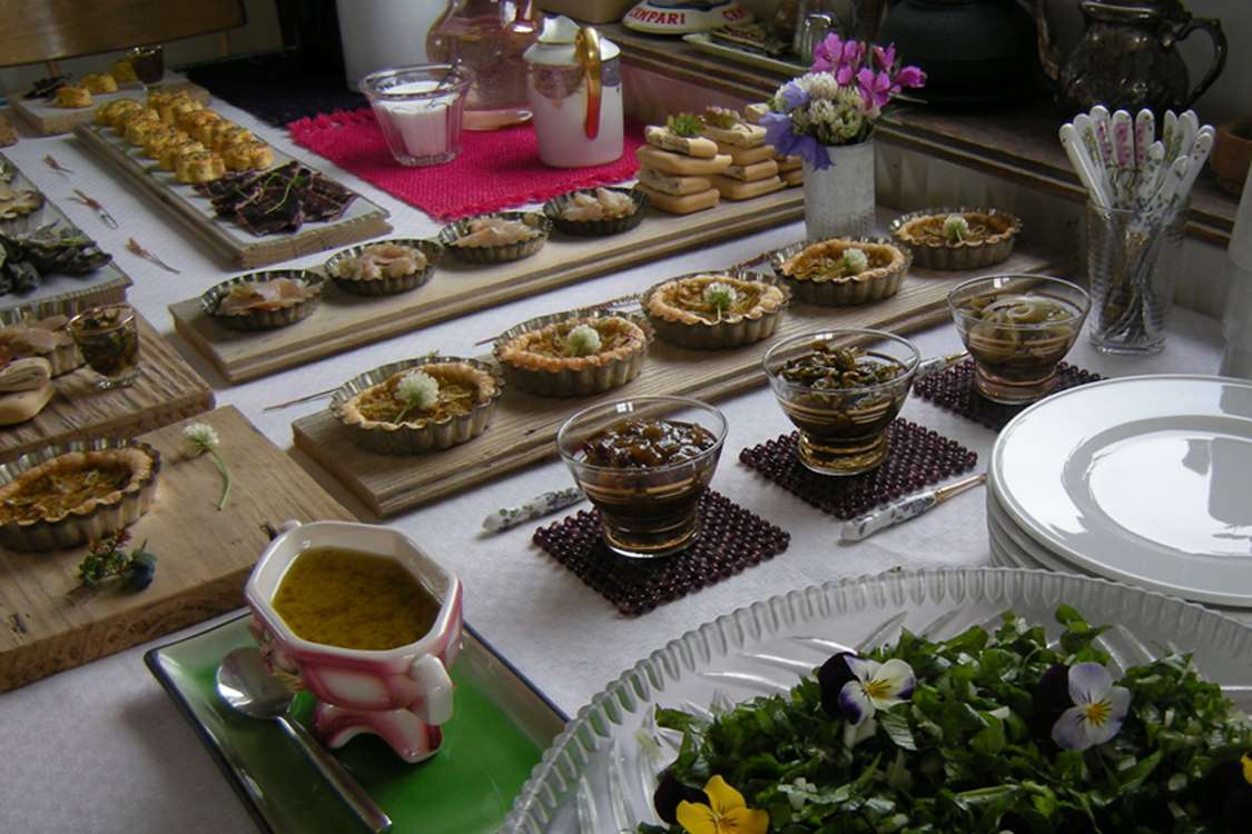 Buffet with mix of Greenlandic and French cuisine at Ipiutaq Guest Farm. Photo by Agathe Devisme