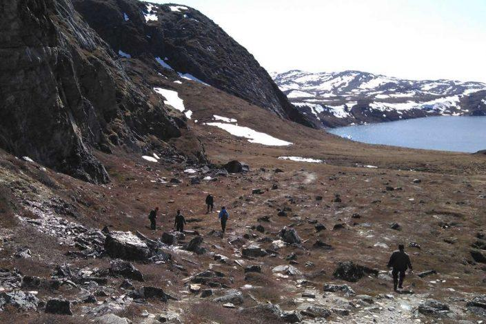 Tourists on a hike in a valley in North Greenland. Photo by Qasigiannguit Tourist Bureau