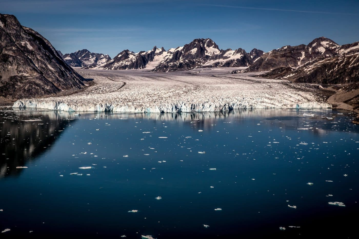 The front of the Knud Rasmussen glacier in East Greenland seen from an Air Zafari flight. By Mads Pihl
