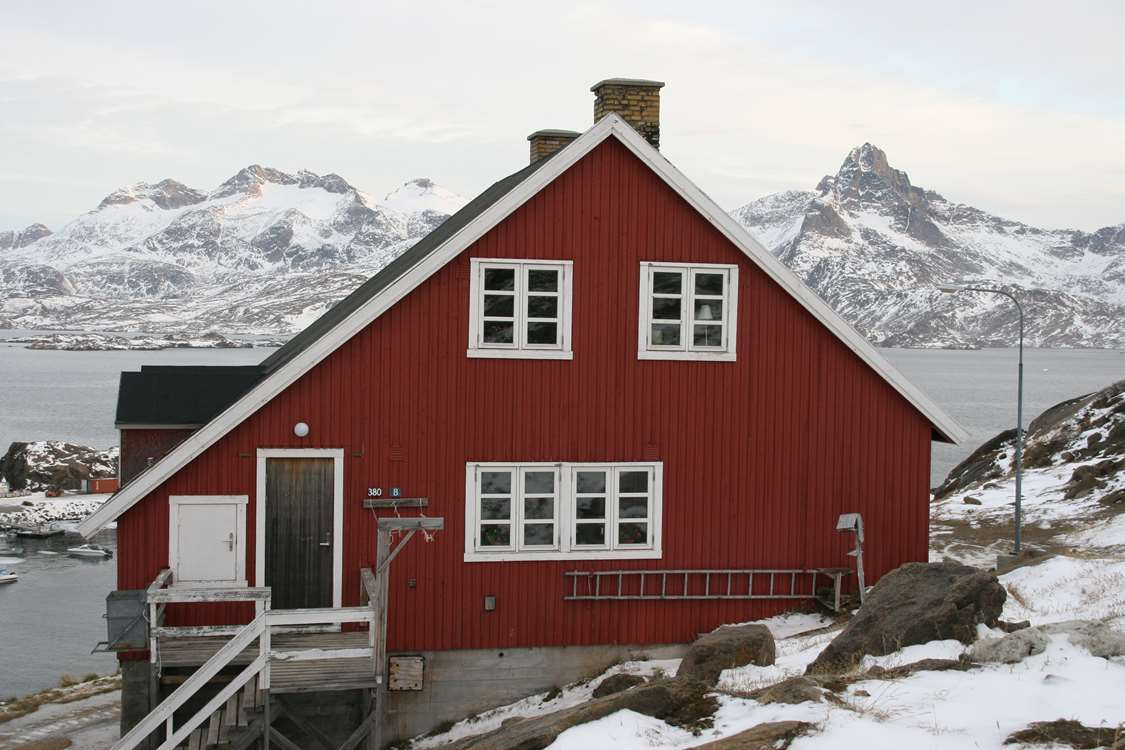 Arctic Dream Travellodge in Winter. Photo by Arctic Dream, Visit Greenland