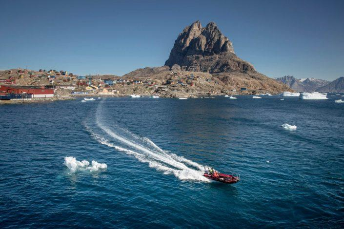 A tender boat between Uummannaq and MS Fram in Greenland
