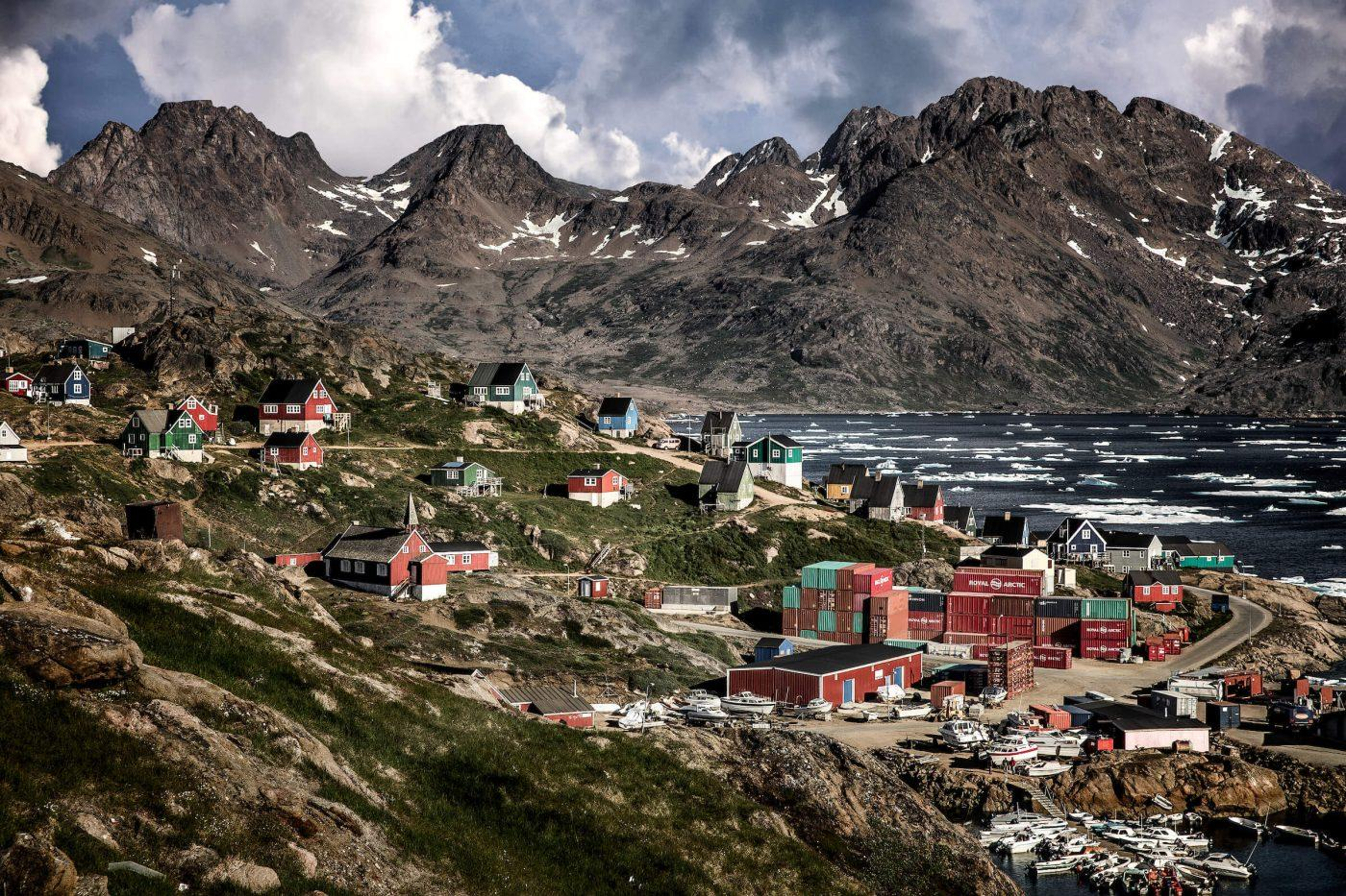 A summer view over parts of Tasiilaq in East Greenland. By Mads Pihl