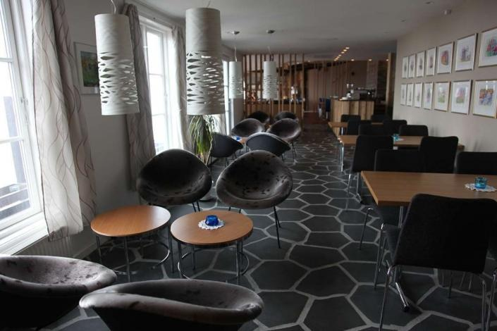 Dining and lounge area at Hotel Angmagssalik in Tasiilaq East Greenland. Photo by Hotel Angmagssalik - Visit Greenland