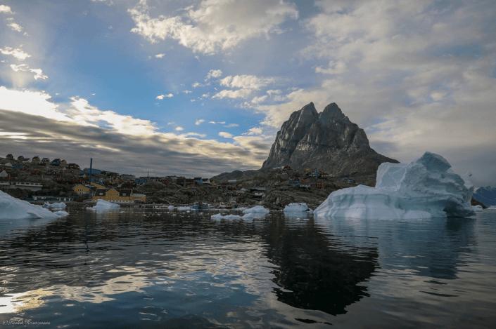 Uummannaq and the heart-shaped mountain. Photo by Uummannaq Seasafaris ApS, Visit Greenland