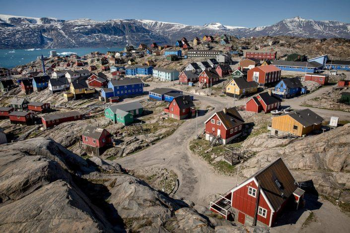 Colourful houses in Uummannaq in Greenland. Photo by Mads Pihl.