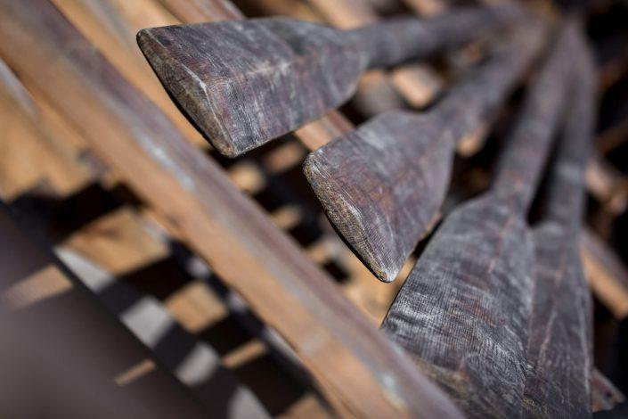 Oars in the women's long boat Umiaq. Photo by Mads Pihl.