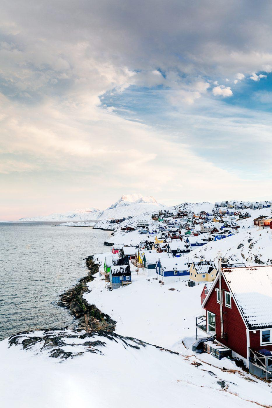 Morning in snow covered Myggedalen in Nuuk, Greenland. Photo by Rebecca Gustafsson