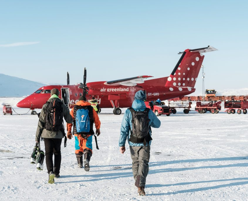 Boarding an Air Greenland flight at Kangerlussuaq International Airport. By Petter Cohen, Xtravel 2 / 4