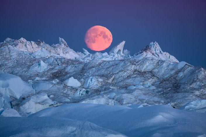 Ilulissat - Sermermuit hike - icebergs. Photo by by Maria Sahai.
