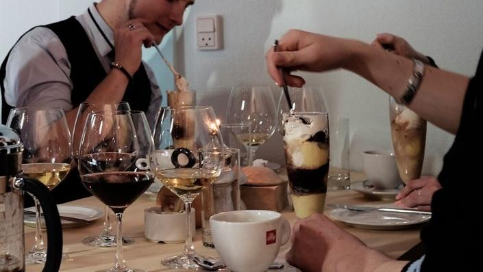 Guests enjoying their desert and wine. Photo by A Hereford Beefstouw