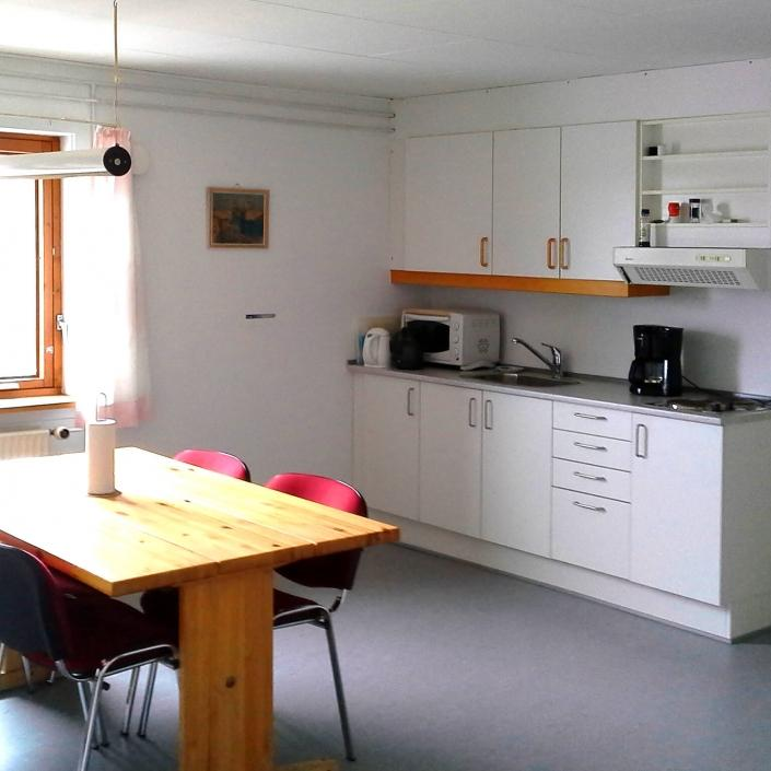 Open kitchen and dining area. Photo by Aasiaat Guesthouse