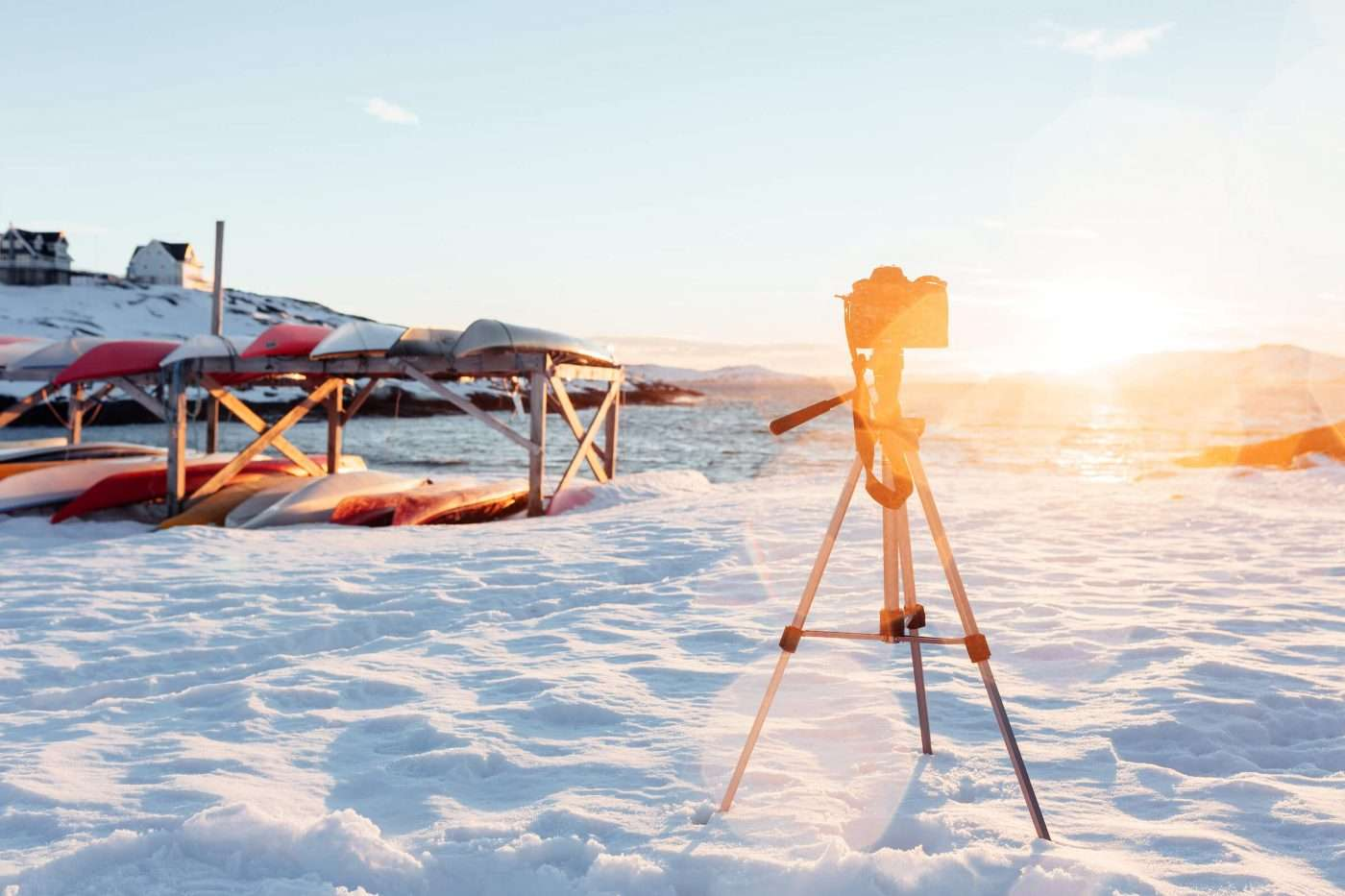 Camera on a tripod taking a timelapse of a sunset in Nuuk in Greenland. Photo by Rebecca Gustafsson