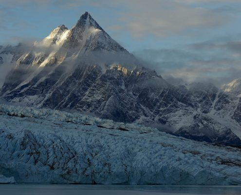 East Greenland glacier and mountains, by Magnus Elander