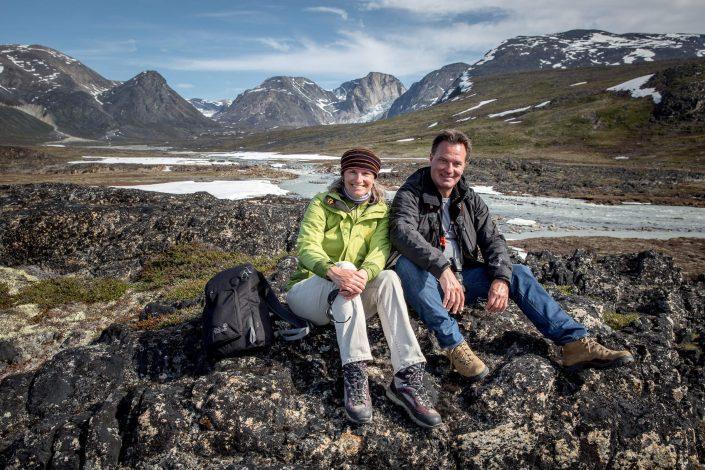 Hikers taking a break near Saqqaq in Greenland. Photo by Mads Pihl
