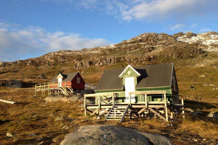 View of huts at the ski center in Summer. Photo by Kangerluarsunnguaq Ski Center