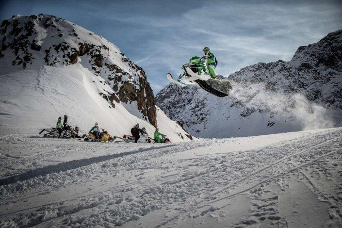 sisimiut-snowmobil-expeditions 01