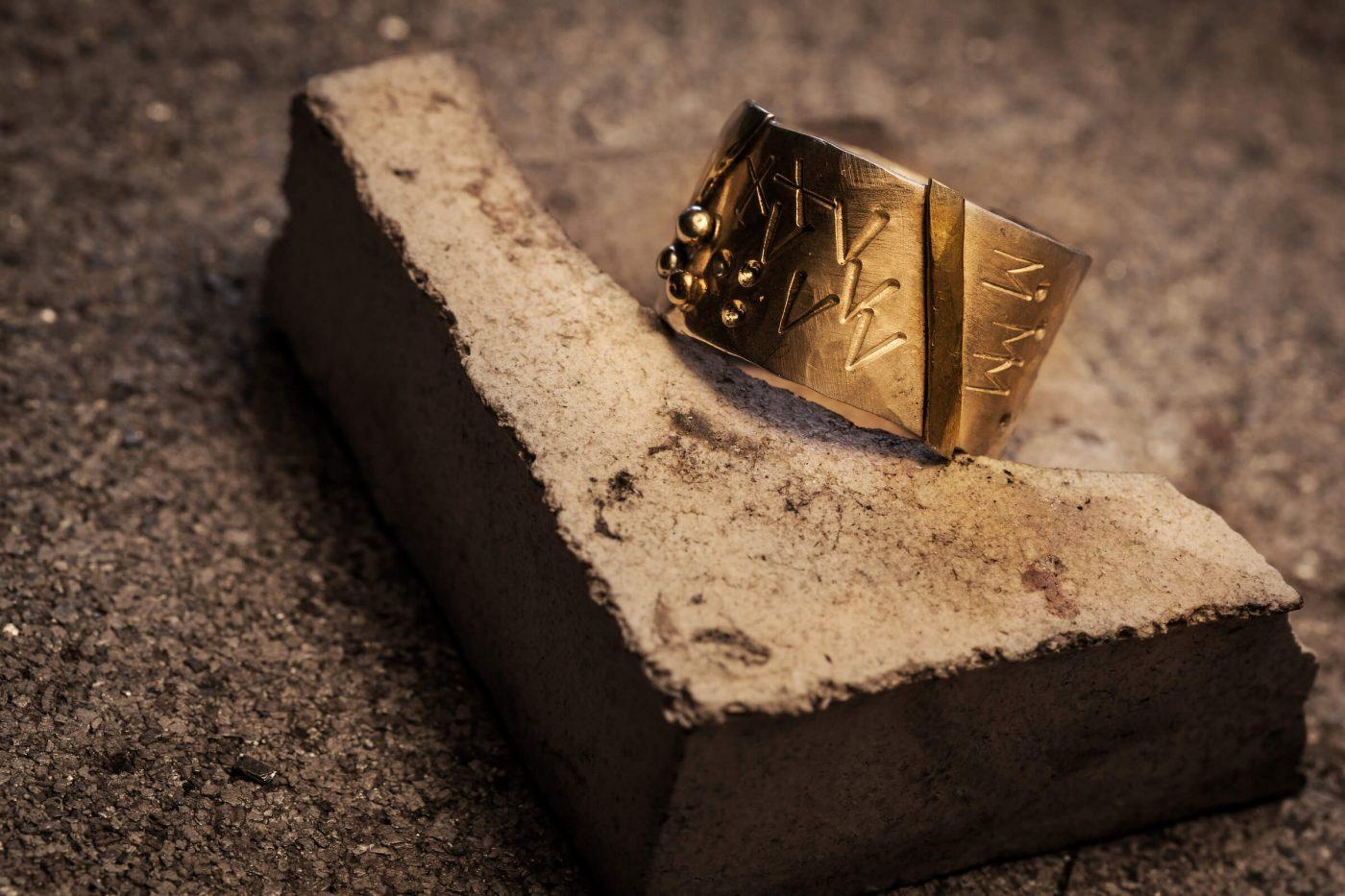 A Kontrast Smykker by Marianne Farup Hansen gold ring design from Sisimiut in Greenland. By Mads Pihl