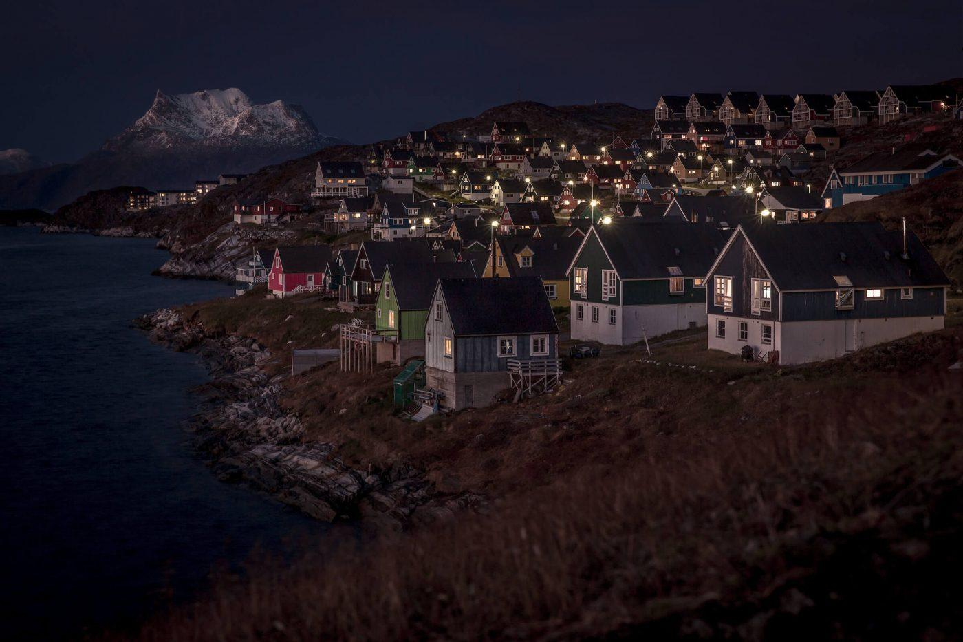 The Myggedalen neighbourhood in Nuuk on an autumn eening in Greenland. By Mads Pihl