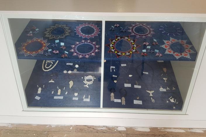 Butik Nuunu goods for sale jewelry pearls and bonecarvings. Photo by Butik Nuunu