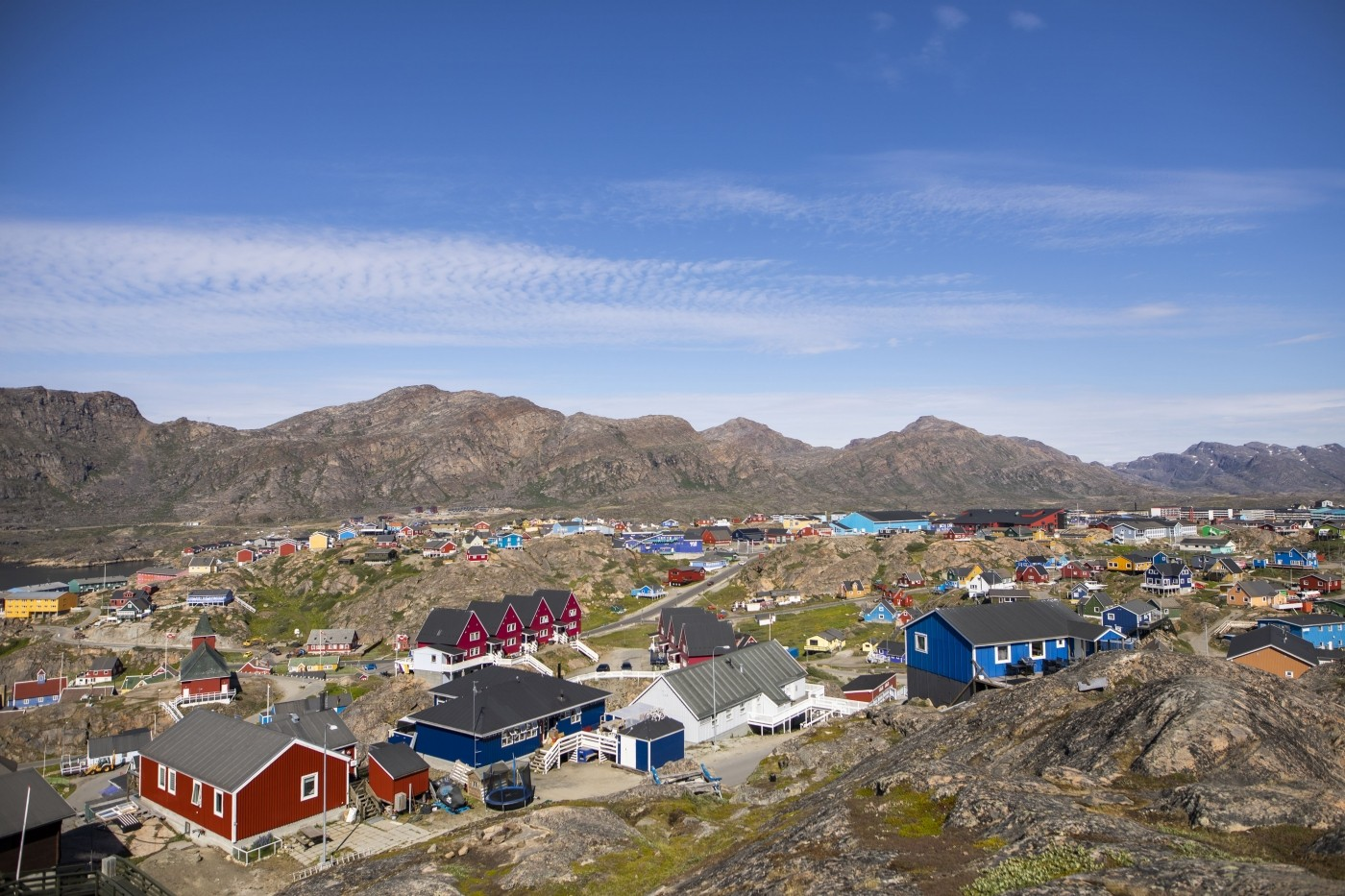360 view in the middle of the city 2 in Sisimiut. Photo by Aningaaq R Carlsen - Visit Greenland