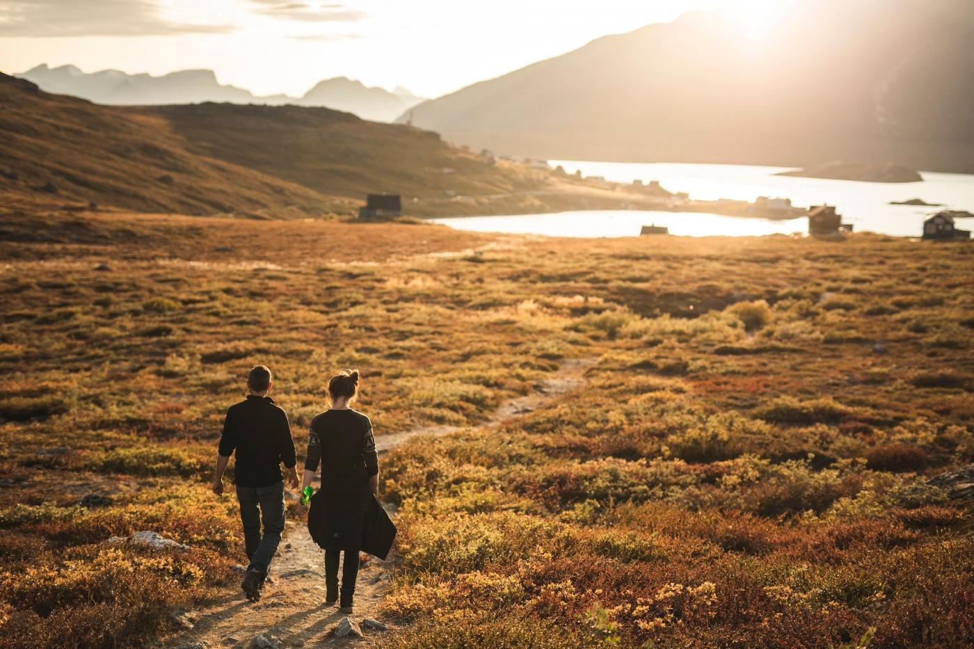 Kapisillit Walk In Sunset. Photo - Aningaaq R. Carlsen, Visit Greenland.