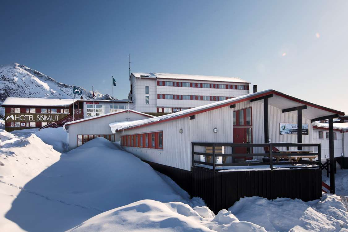 Hotel Sisimiut from the outside. Photo by Hotel Sisimiut