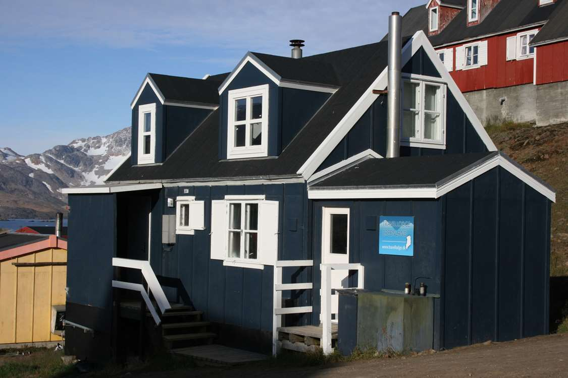 Arctic Dream Travellodge viewed from the side. Photo by Arctic Dream, Visit Greenland